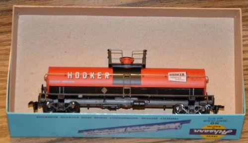 Hooker2