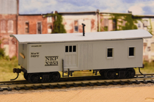 Along the Right of Way    : Finally Finished my MoW Train Cars